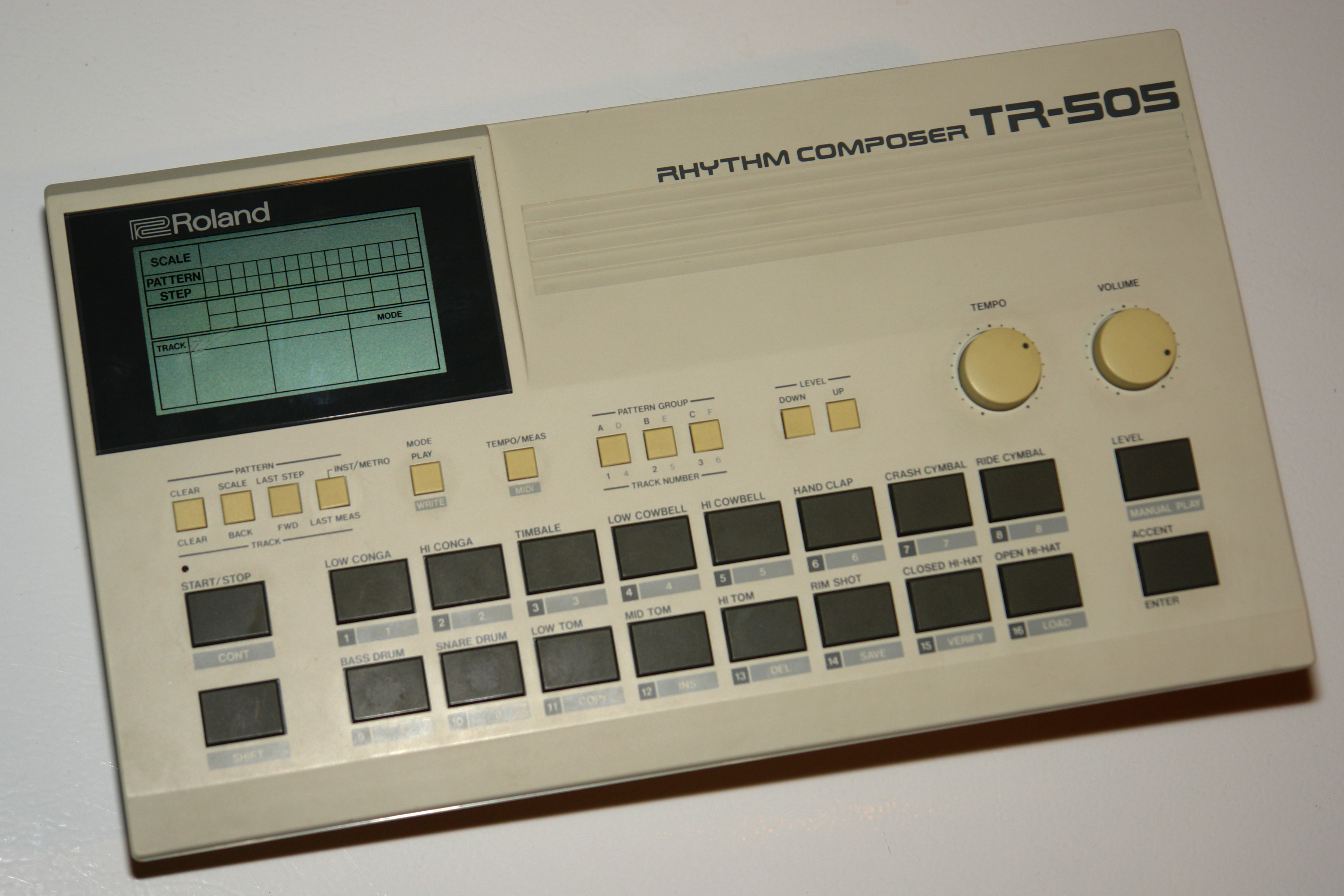 Roland_TR-505_drum_machine