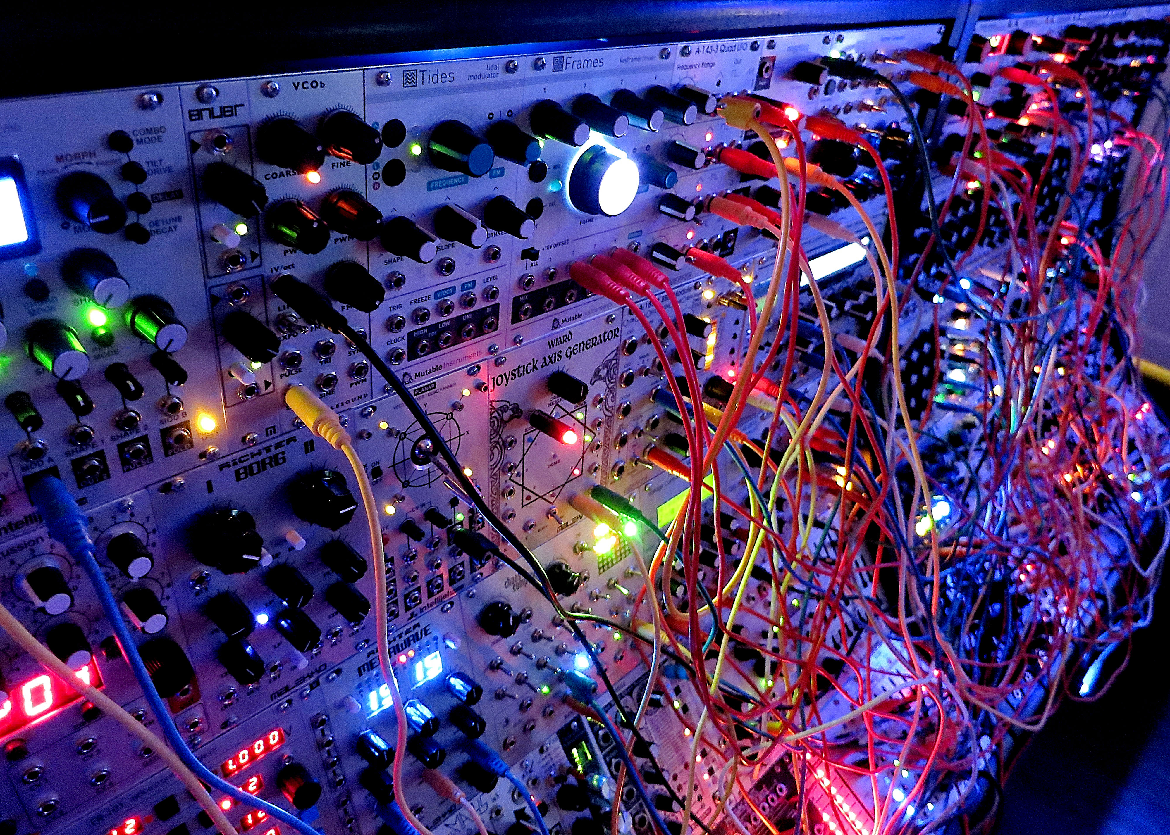 ridiculously gigantic modular synth rig playing some wicked arabic sounding jams demonic. Black Bedroom Furniture Sets. Home Design Ideas